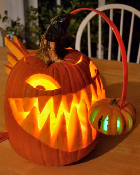 Anglerfish Lands Top Prize In Vims Pumpkin Carving Contest
