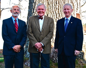 From Left: Dr. John Wells, dean and director of VIMS; the Honorable W. Tayloe Murphy Jr., former Virginia secretary of natural resources and a member of the Hull Springs Farm Foundation; and Longwood President Patrick Finnegan in front of Hull Springs Farm's 400-year-old signature Southern Red Oak tree.